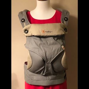 NWOT Ergobaby Carrier
